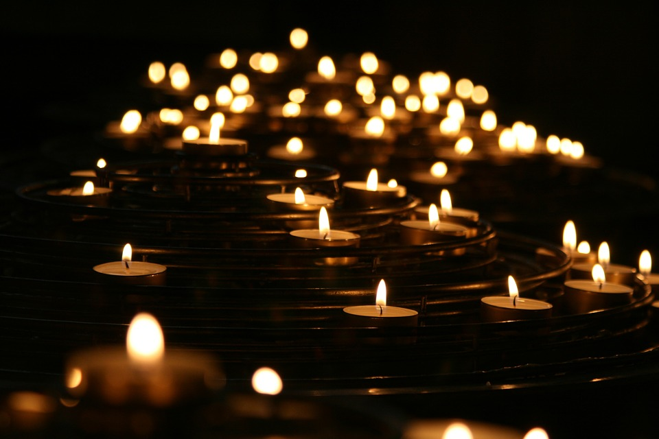 How Candles can be utilized on Home Decors
