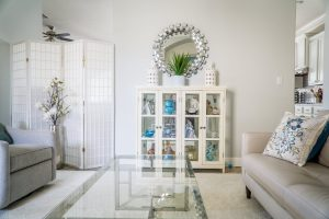 Frame-less Glass: the new Trend in Home Decor